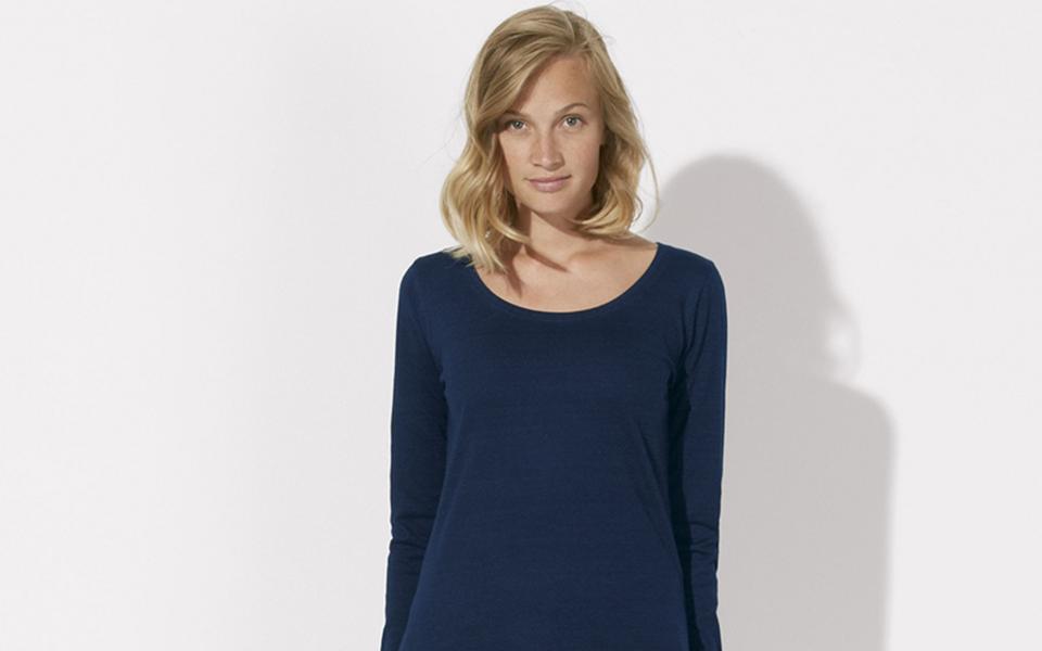 blondynka-w-koszuli
